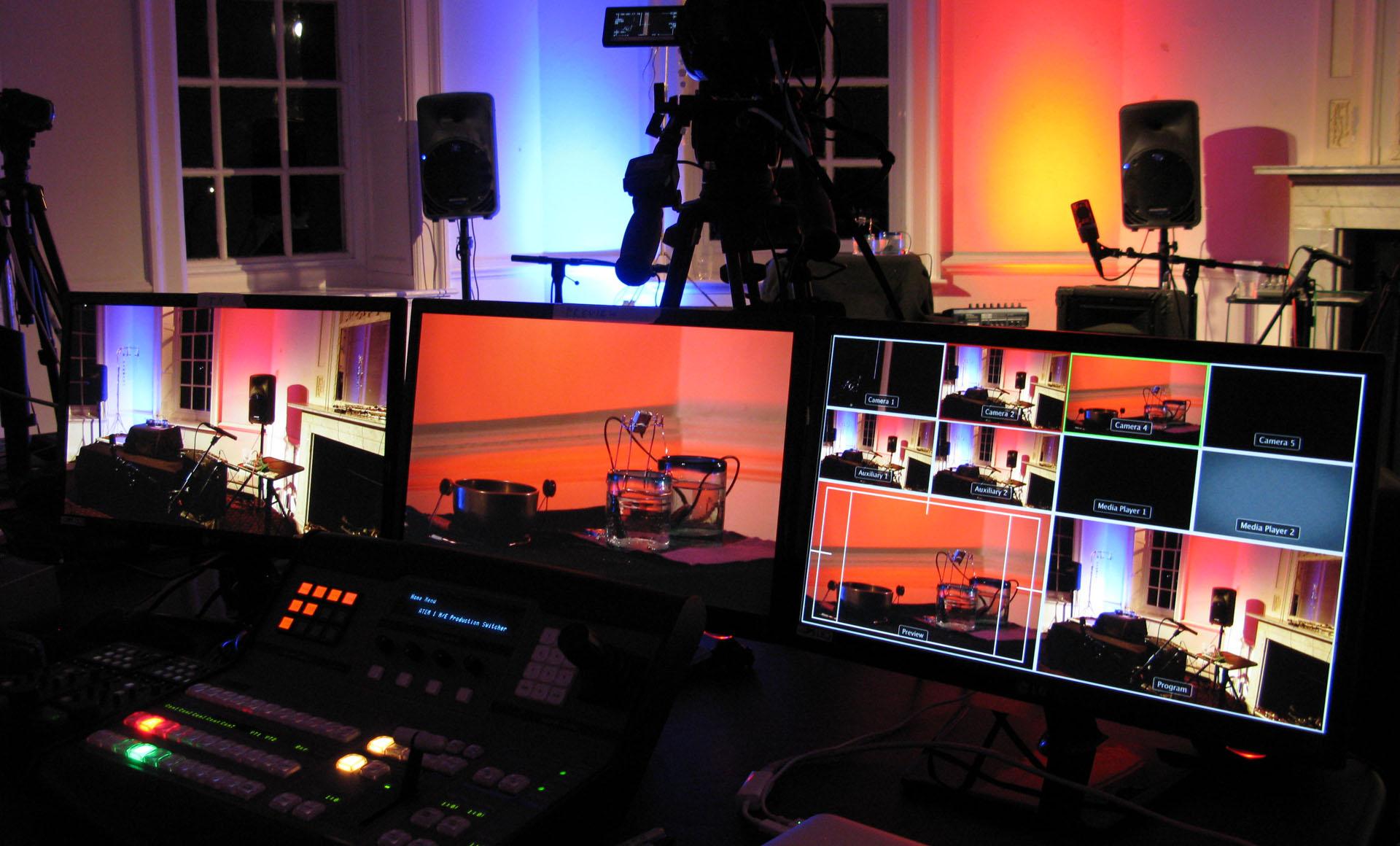 Live streaming su piattaforma dedicata, Youtube, Facebook